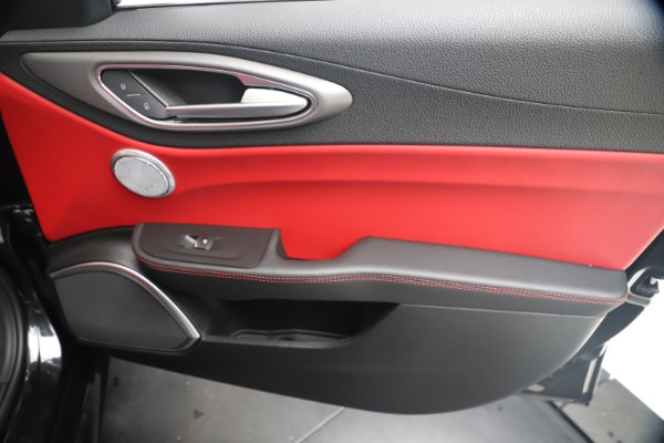 New 2020 Alfa Romeo Giulia Ti Sport Q4 for sale $56,440 at Alfa Romeo of Greenwich in Greenwich CT 06830 25