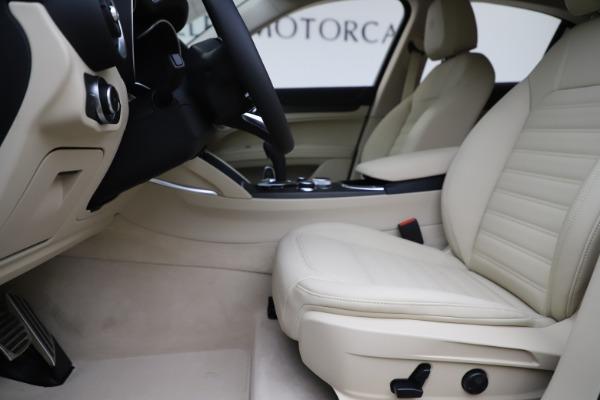 New 2020 Alfa Romeo Stelvio Ti Lusso Q4 for sale $55,790 at Alfa Romeo of Greenwich in Greenwich CT 06830 14