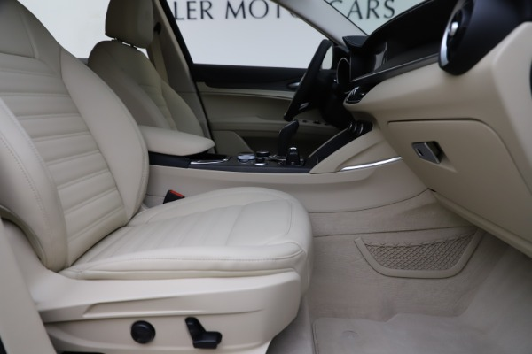 New 2020 Alfa Romeo Stelvio Ti Lusso Q4 for sale $55,790 at Alfa Romeo of Greenwich in Greenwich CT 06830 23