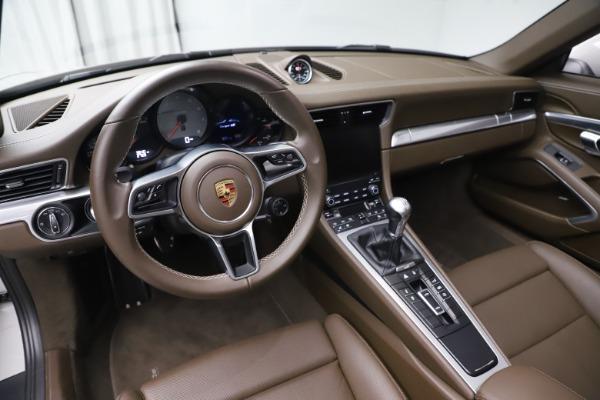 Used 2018 Porsche 911 Targa 4S for sale $134,900 at Alfa Romeo of Greenwich in Greenwich CT 06830 17