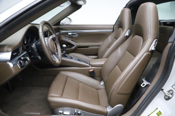Used 2018 Porsche 911 Targa 4S for sale $134,900 at Alfa Romeo of Greenwich in Greenwich CT 06830 18