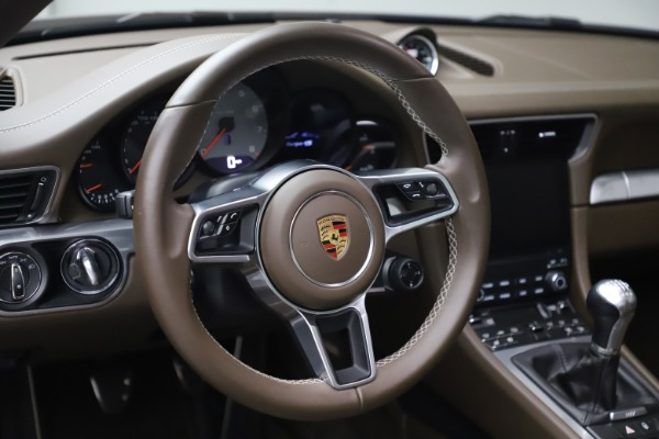 Used 2018 Porsche 911 Targa 4S for sale $134,900 at Alfa Romeo of Greenwich in Greenwich CT 06830 20