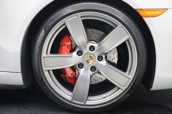 Used 2018 Porsche 911 Targa 4S for sale $134,900 at Alfa Romeo of Greenwich in Greenwich CT 06830 28