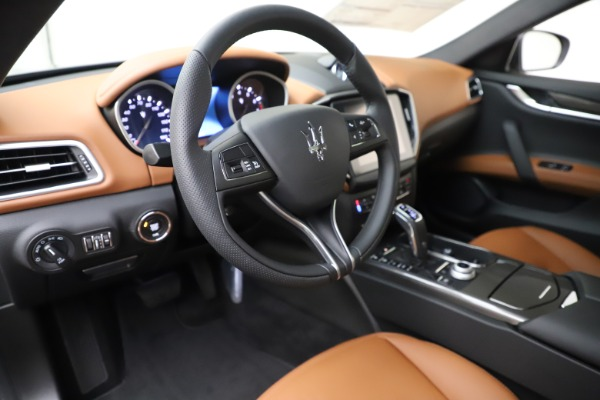 New 2020 Maserati Ghibli S Q4 for sale $79,985 at Alfa Romeo of Greenwich in Greenwich CT 06830 13