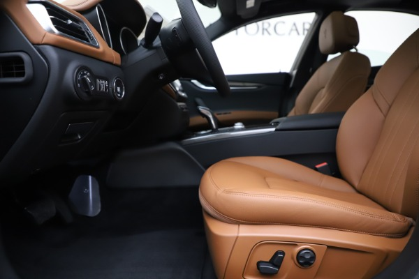 New 2020 Maserati Ghibli S Q4 for sale $79,985 at Alfa Romeo of Greenwich in Greenwich CT 06830 14
