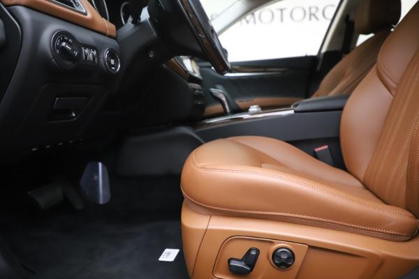 New 2020 Maserati Ghibli S Q4 GranLusso for sale $89,535 at Alfa Romeo of Greenwich in Greenwich CT 06830 14