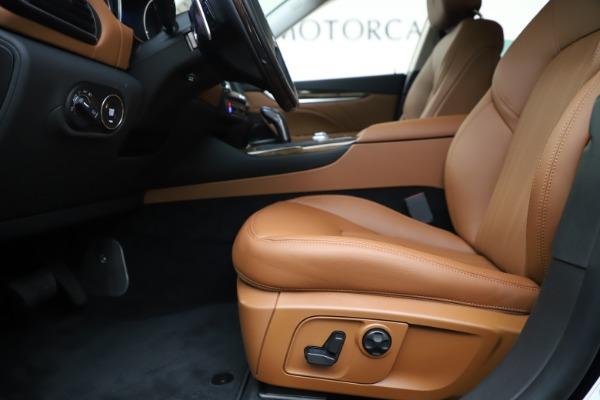 New 2020 Maserati Levante S Q4 GranLusso for sale $94,985 at Alfa Romeo of Greenwich in Greenwich CT 06830 14