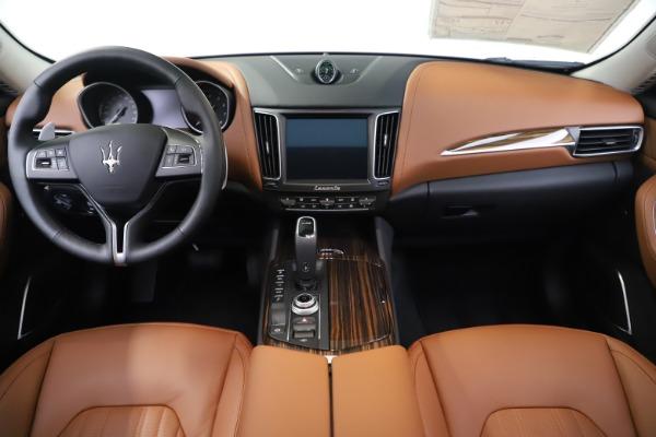 New 2020 Maserati Levante S Q4 GranLusso for sale $94,985 at Alfa Romeo of Greenwich in Greenwich CT 06830 16