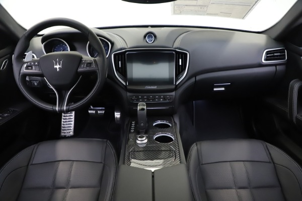 New 2020 Maserati Ghibli S Q4 GranSport for sale $90,285 at Alfa Romeo of Greenwich in Greenwich CT 06830 16