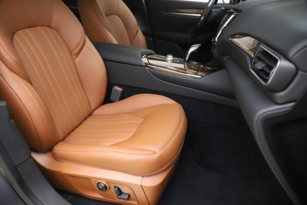 New 2020 Maserati Levante Q4 GranLusso for sale $84,985 at Alfa Romeo of Greenwich in Greenwich CT 06830 24