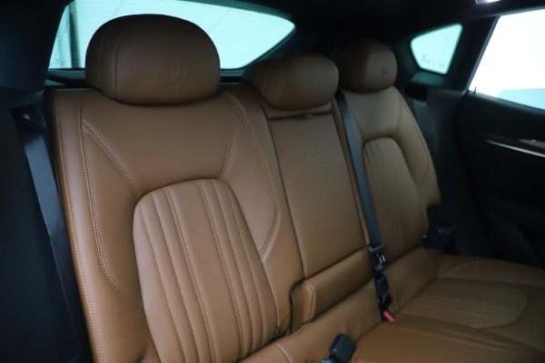 New 2020 Maserati Levante Q4 GranLusso for sale $84,985 at Alfa Romeo of Greenwich in Greenwich CT 06830 26
