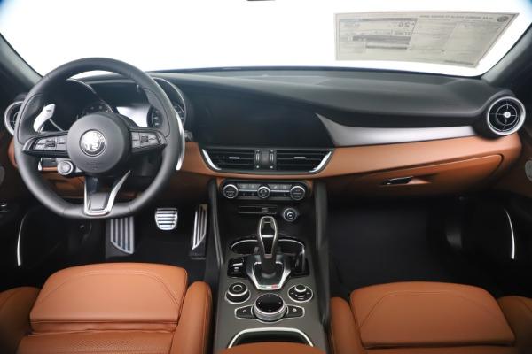 New 2020 Alfa Romeo Giulia Ti Sport Q4 for sale $52,840 at Alfa Romeo of Greenwich in Greenwich CT 06830 16