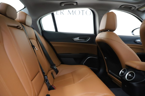 New 2020 Alfa Romeo Giulia Q4 for sale Sold at Alfa Romeo of Greenwich in Greenwich CT 06830 27