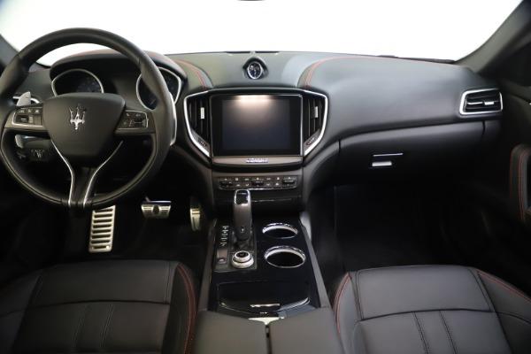 New 2020 Maserati Ghibli S Q4 GranSport for sale $70,331 at Alfa Romeo of Greenwich in Greenwich CT 06830 16