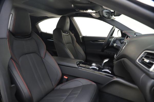 New 2020 Maserati Ghibli S Q4 GranSport for sale $70,331 at Alfa Romeo of Greenwich in Greenwich CT 06830 21