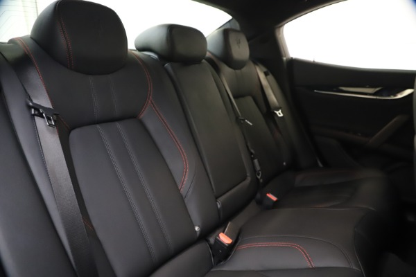 New 2020 Maserati Ghibli S Q4 GranSport for sale $70,331 at Alfa Romeo of Greenwich in Greenwich CT 06830 24