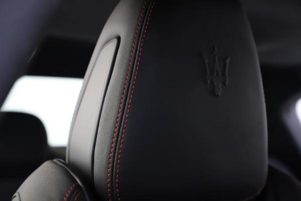 New 2020 Maserati Ghibli S Q4 GranSport for sale $70,331 at Alfa Romeo of Greenwich in Greenwich CT 06830 27