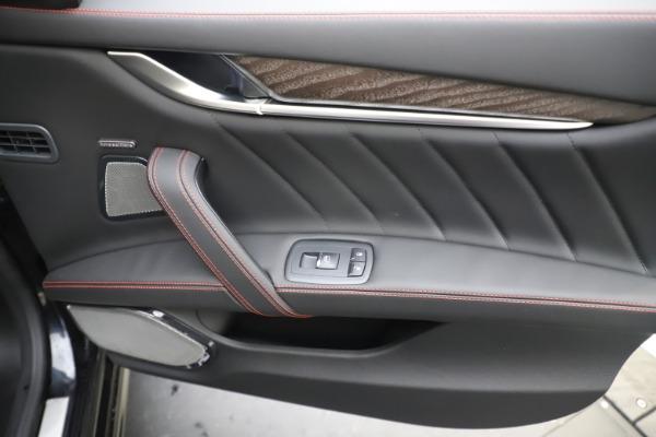 New 2019 Maserati Ghibli S Q4 GranLusso for sale $98,395 at Alfa Romeo of Greenwich in Greenwich CT 06830 25
