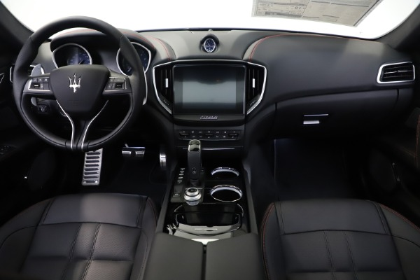 New 2019 Maserati Ghibli S Q4 GranSport for sale Sold at Alfa Romeo of Greenwich in Greenwich CT 06830 21