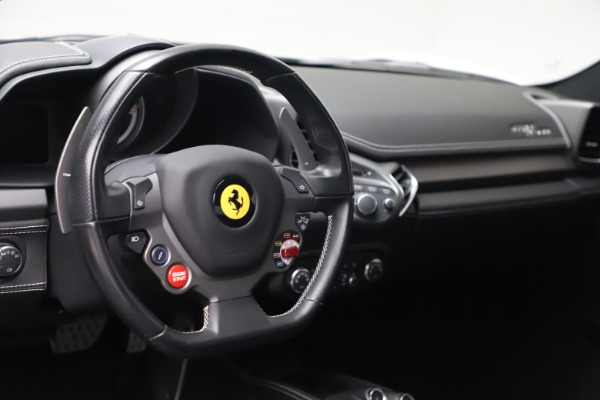 Used 2013 Ferrari 458 Italia for sale $186,900 at Alfa Romeo of Greenwich in Greenwich CT 06830 16