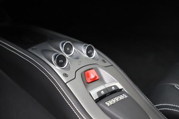 Used 2013 Ferrari 458 Italia for sale $186,900 at Alfa Romeo of Greenwich in Greenwich CT 06830 22