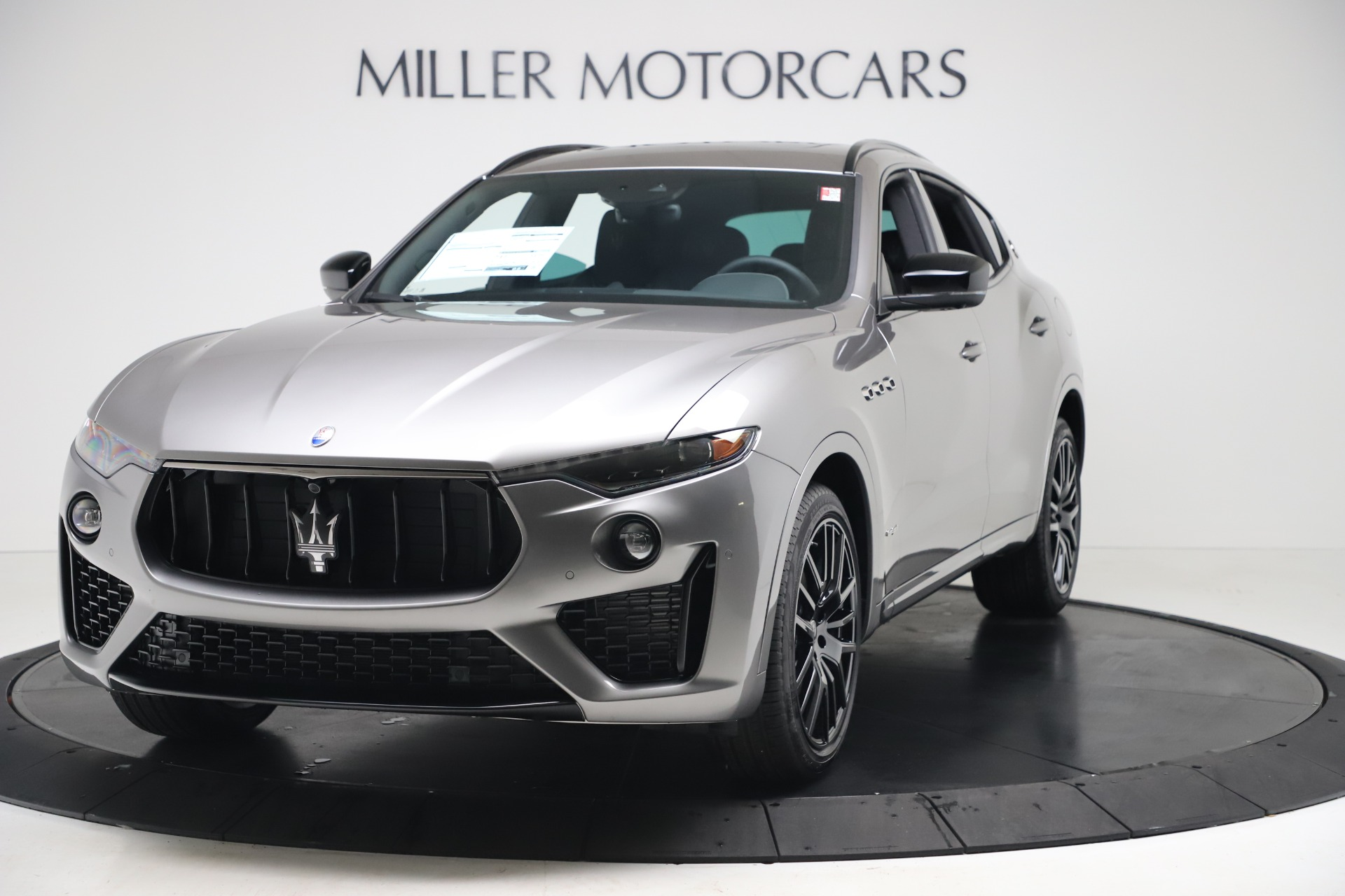 New 2020 Maserati Levante S Q4 GranSport for sale $102,285 at Alfa Romeo of Greenwich in Greenwich CT 06830 1