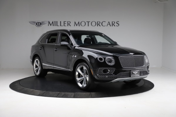 Used 2017 Bentley Bentayga W12 for sale $139,900 at Alfa Romeo of Greenwich in Greenwich CT 06830 11
