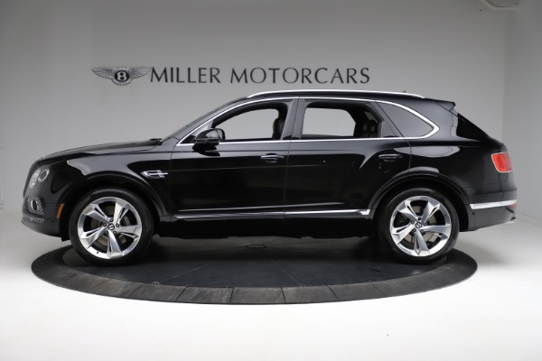 Used 2017 Bentley Bentayga W12 for sale $139,900 at Alfa Romeo of Greenwich in Greenwich CT 06830 3