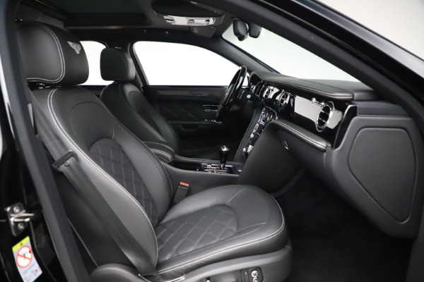 New 2016 Bentley Mulsanne Speed for sale $157,900 at Alfa Romeo of Greenwich in Greenwich CT 06830 27