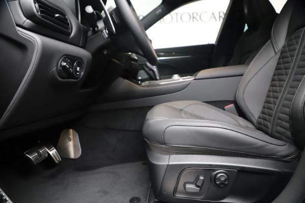 New 2020 Maserati Levante S Q4 GranSport for sale $106,585 at Alfa Romeo of Greenwich in Greenwich CT 06830 14