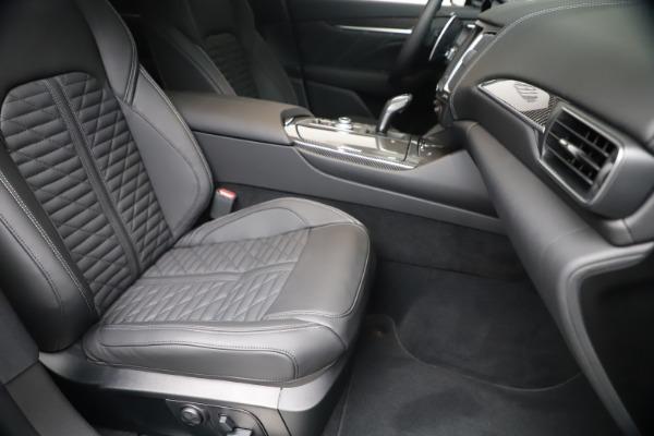 New 2020 Maserati Levante S Q4 GranSport for sale $106,585 at Alfa Romeo of Greenwich in Greenwich CT 06830 24