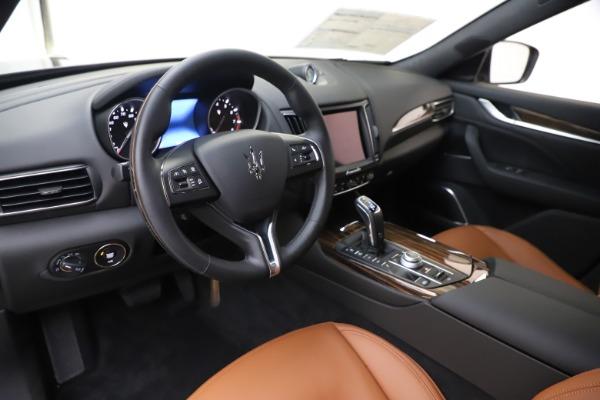 New 2020 Maserati Levante Q4 GranLusso for sale $86,935 at Alfa Romeo of Greenwich in Greenwich CT 06830 13