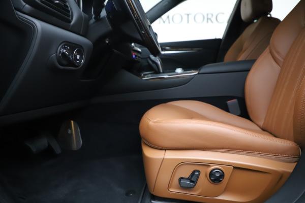 New 2020 Maserati Levante Q4 GranLusso for sale $86,935 at Alfa Romeo of Greenwich in Greenwich CT 06830 14