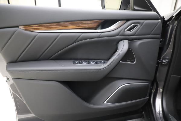 New 2020 Maserati Levante Q4 GranLusso for sale $86,935 at Alfa Romeo of Greenwich in Greenwich CT 06830 17