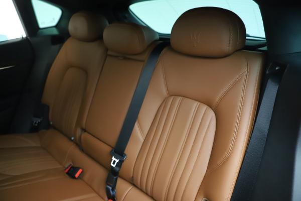 New 2020 Maserati Levante Q4 GranLusso for sale $86,935 at Alfa Romeo of Greenwich in Greenwich CT 06830 18