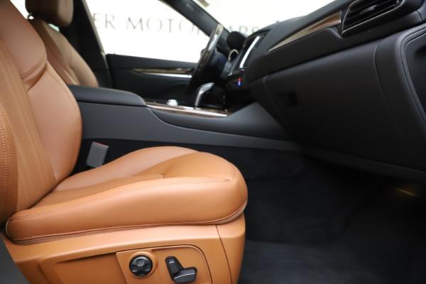 New 2020 Maserati Levante Q4 GranLusso for sale $86,935 at Alfa Romeo of Greenwich in Greenwich CT 06830 23