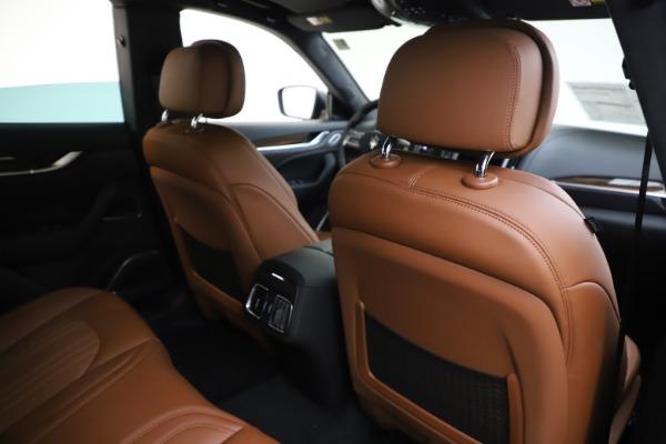 New 2020 Maserati Levante Q4 GranLusso for sale $86,935 at Alfa Romeo of Greenwich in Greenwich CT 06830 28