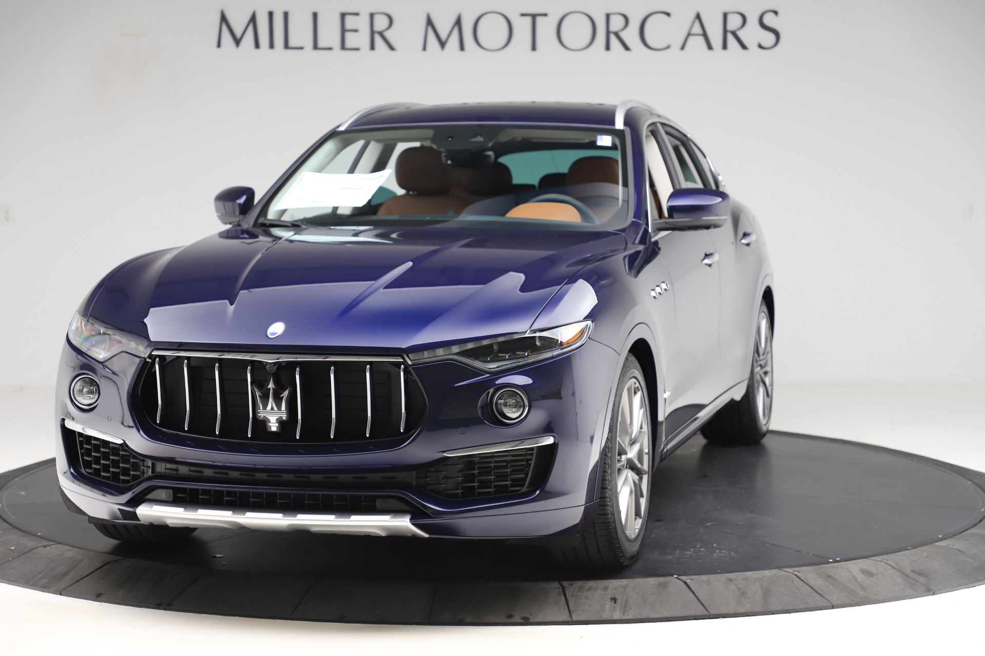 New 2020 Maserati Levante Q4 GranLusso for sale $87,335 at Alfa Romeo of Greenwich in Greenwich CT 06830 1