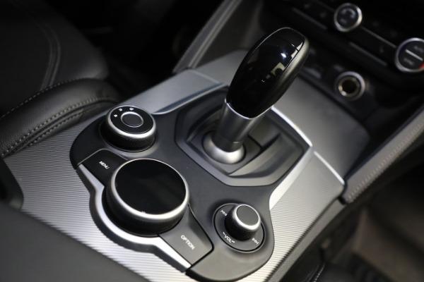 New 2019 Alfa Romeo Stelvio Ti Sport Q4 for sale $52,640 at Alfa Romeo of Greenwich in Greenwich CT 06830 28