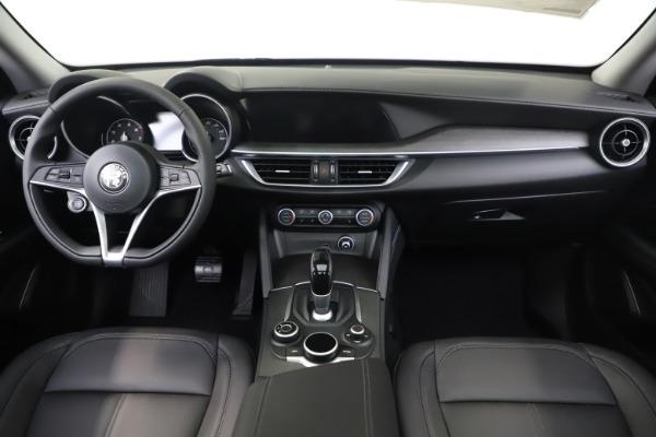 New 2019 Alfa Romeo Stelvio Ti Q4 for sale $51,090 at Alfa Romeo of Greenwich in Greenwich CT 06830 16