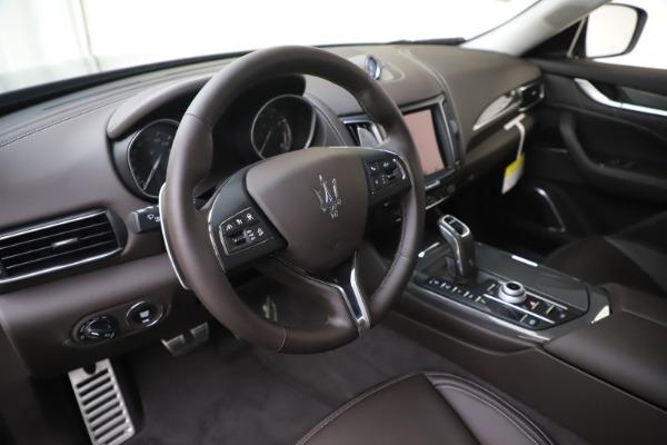 New 2020 Maserati Levante Q4 GranLusso for sale $87,885 at Alfa Romeo of Greenwich in Greenwich CT 06830 13