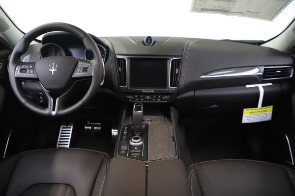New 2020 Maserati Levante Q4 GranLusso for sale $87,885 at Alfa Romeo of Greenwich in Greenwich CT 06830 16