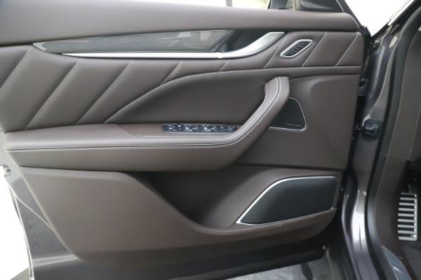 New 2020 Maserati Levante Q4 GranLusso for sale $87,885 at Alfa Romeo of Greenwich in Greenwich CT 06830 17