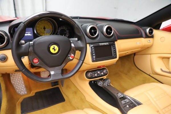 Used 2014 Ferrari California 30 for sale $127,900 at Alfa Romeo of Greenwich in Greenwich CT 06830 18