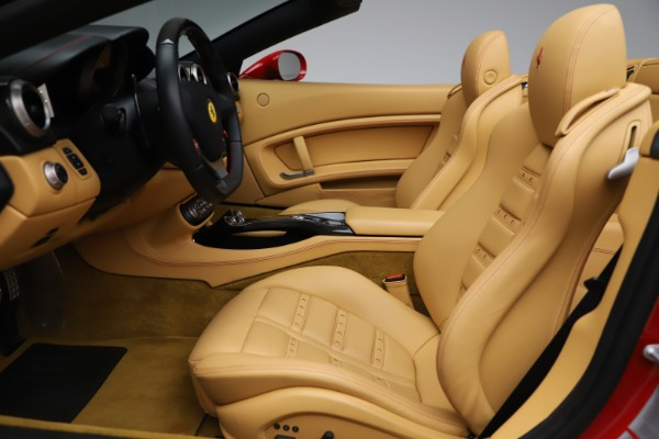 Used 2014 Ferrari California 30 for sale $127,900 at Alfa Romeo of Greenwich in Greenwich CT 06830 19