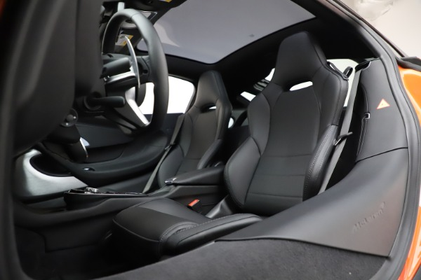New 2020 McLaren GT Coupe for sale $246,975 at Alfa Romeo of Greenwich in Greenwich CT 06830 21