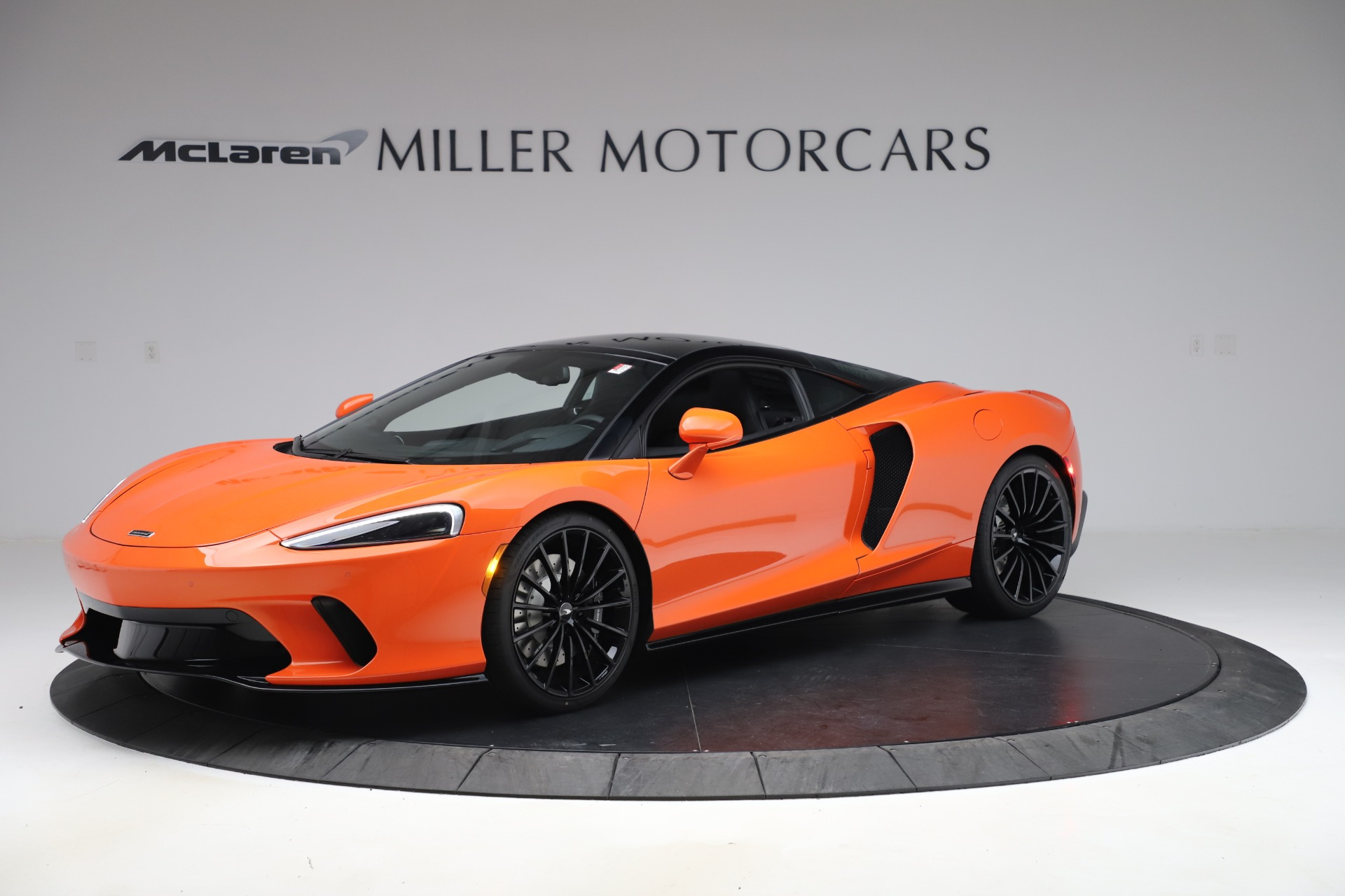 New 2020 McLaren GT Coupe for sale $246,975 at Alfa Romeo of Greenwich in Greenwich CT 06830 1