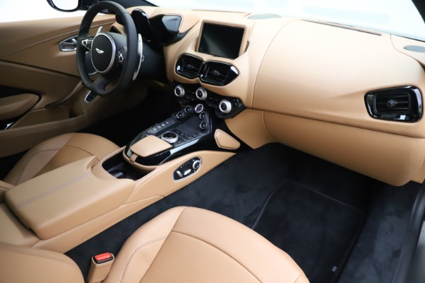 New 2020 Aston Martin Vantage Coupe for sale $174,731 at Alfa Romeo of Greenwich in Greenwich CT 06830 18