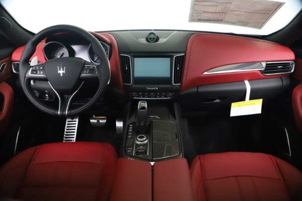 New 2020 Maserati Levante S Q4 GranSport for sale $101,535 at Alfa Romeo of Greenwich in Greenwich CT 06830 16