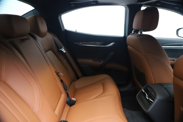 New 2020 Maserati Ghibli S Q4 for sale $85,535 at Alfa Romeo of Greenwich in Greenwich CT 06830 27